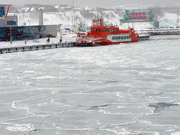 北海道風景写真画像 紋別市の流氷砕氷船ガリンゴ号�U3