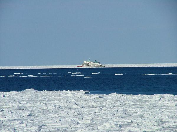 北海道風景写真画像 網走市の流氷観光船オーロラ号2